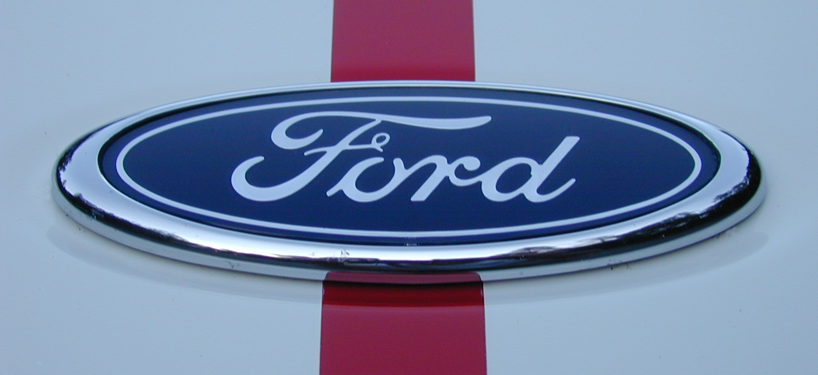 2005 Ford GT badge