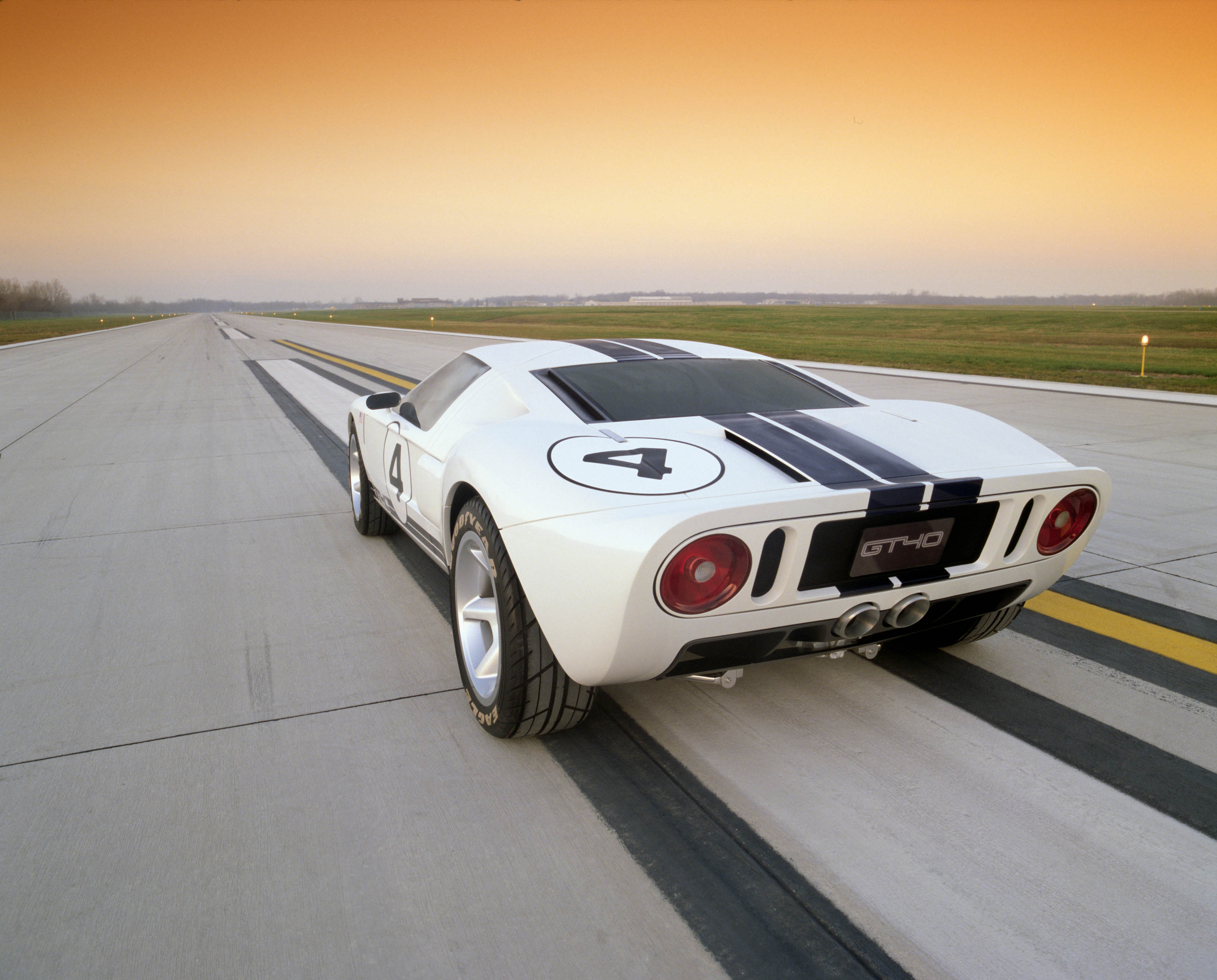 Ford GT40 concept rear white