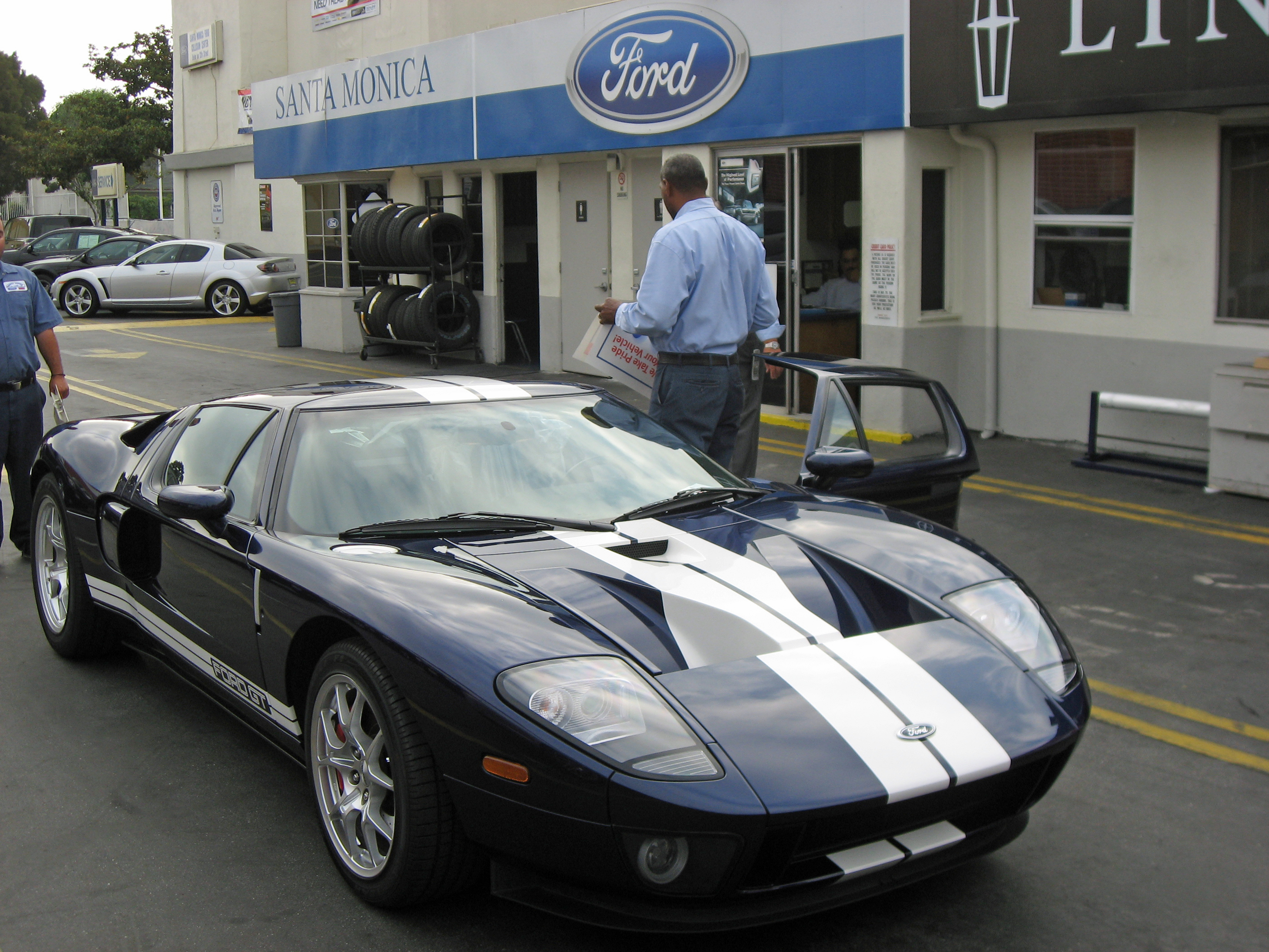 2005 Ford GT Long Dealership Windshield Replacement