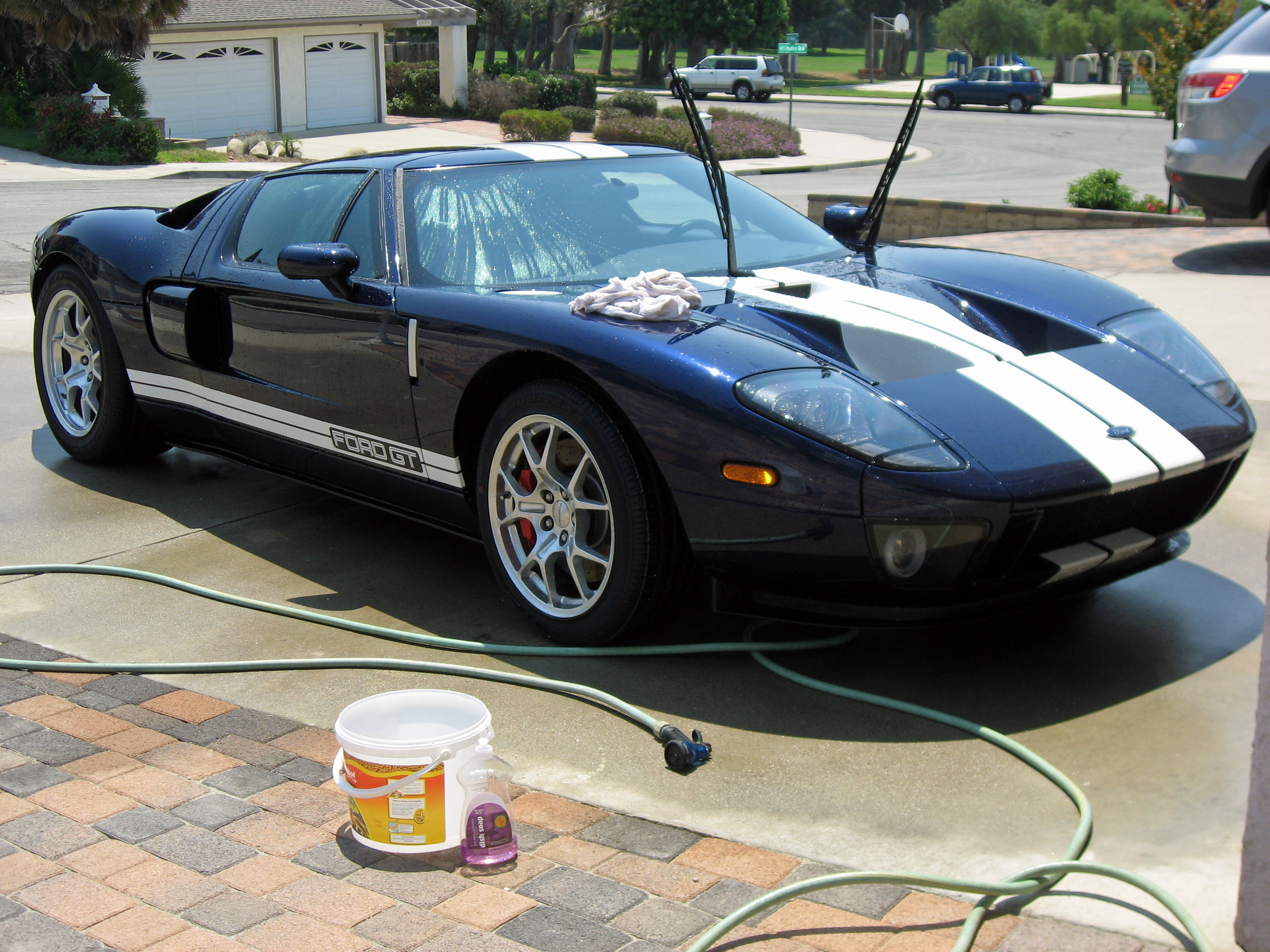 2005 Ford GT Long Term Washing