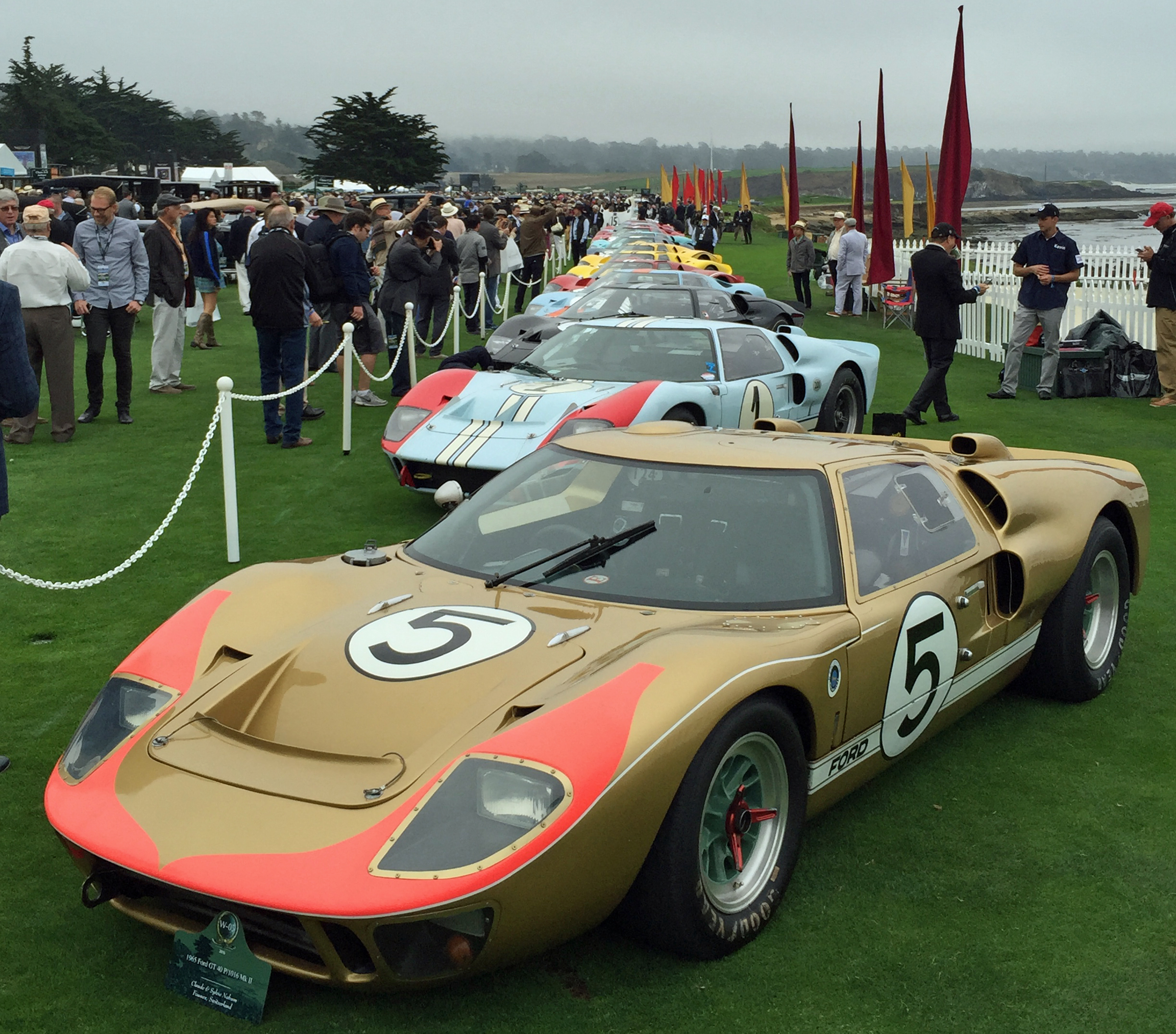 ford gt40s flood the 2016 pebble beach concours karl on cars with an emphasis on performance cars. Black Bedroom Furniture Sets. Home Design Ideas