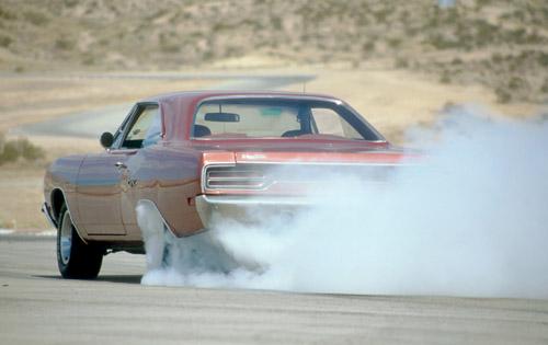 1970-Plymouth-GTX-Burnout