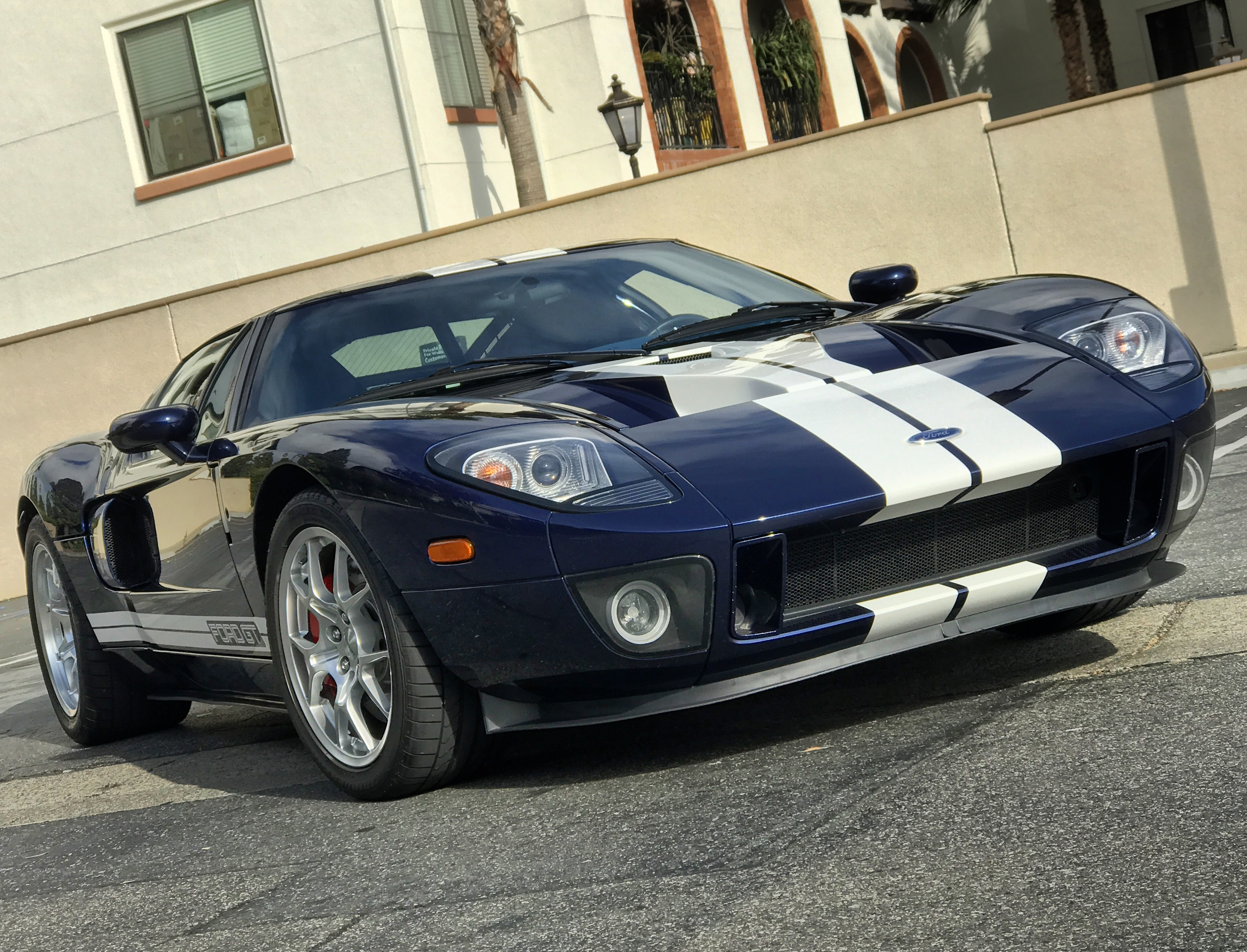 2005 Ford GT Front Stripes